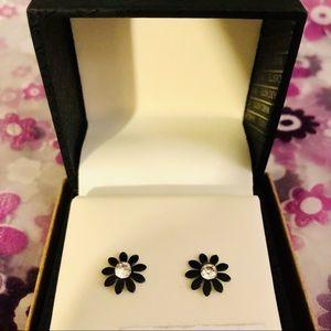 🍭BUY 1 GET 1 FREE🍭 Black & Silver Flower Stud Earrings
